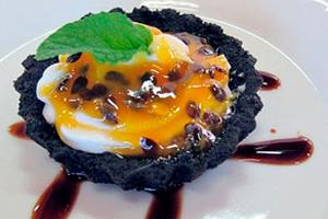 Torta doce com Arroz Arbório e Calda de Maracujá